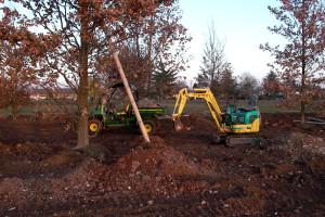 Lavorazione del terreno per realizzazione giardini