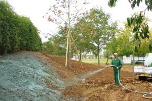 Irrigazione del terreno durante le lavorazioni