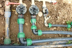 realizzazione tubature per impianti di irrigazione